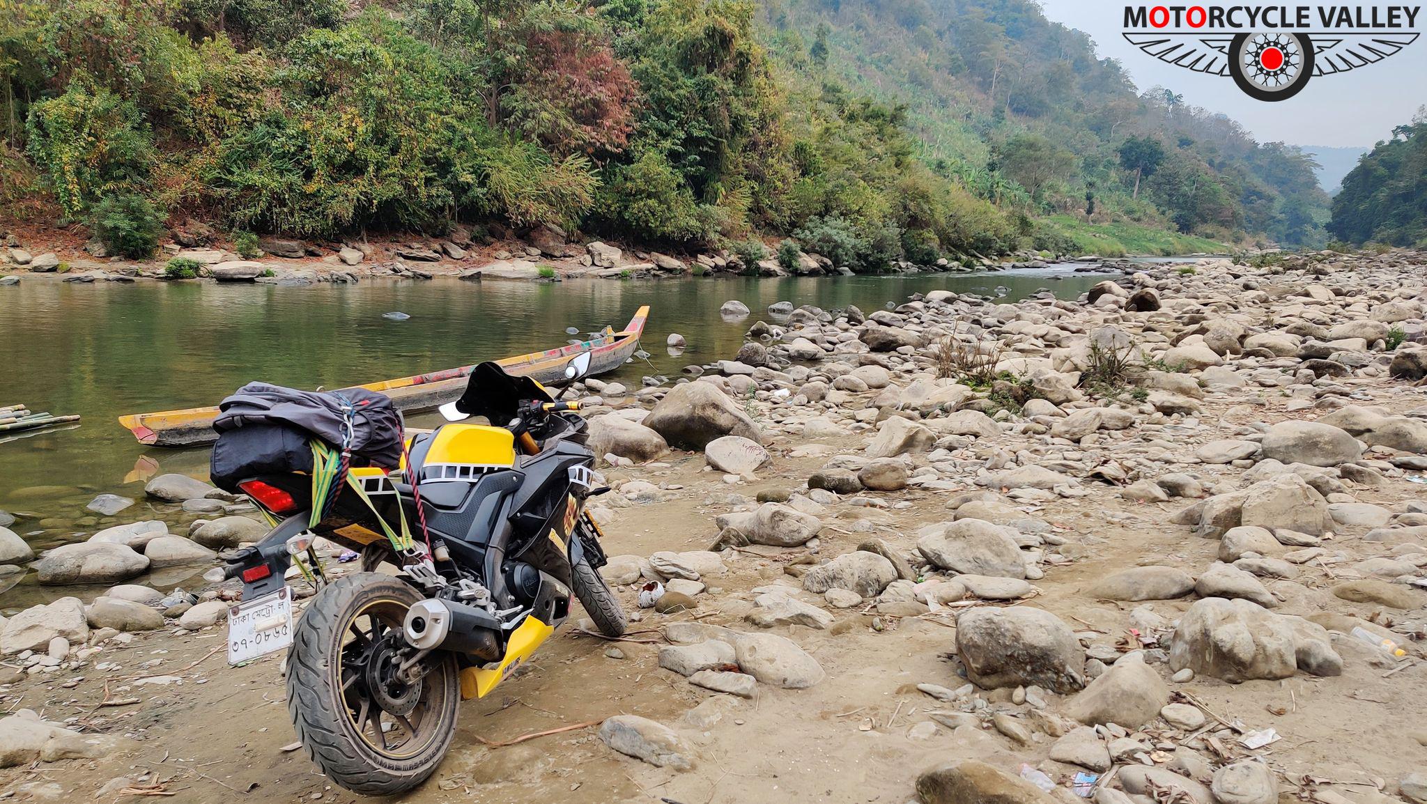 1618903968_Yamaha-R15-v3indonesian-by-kazi-fahim-2.jpg