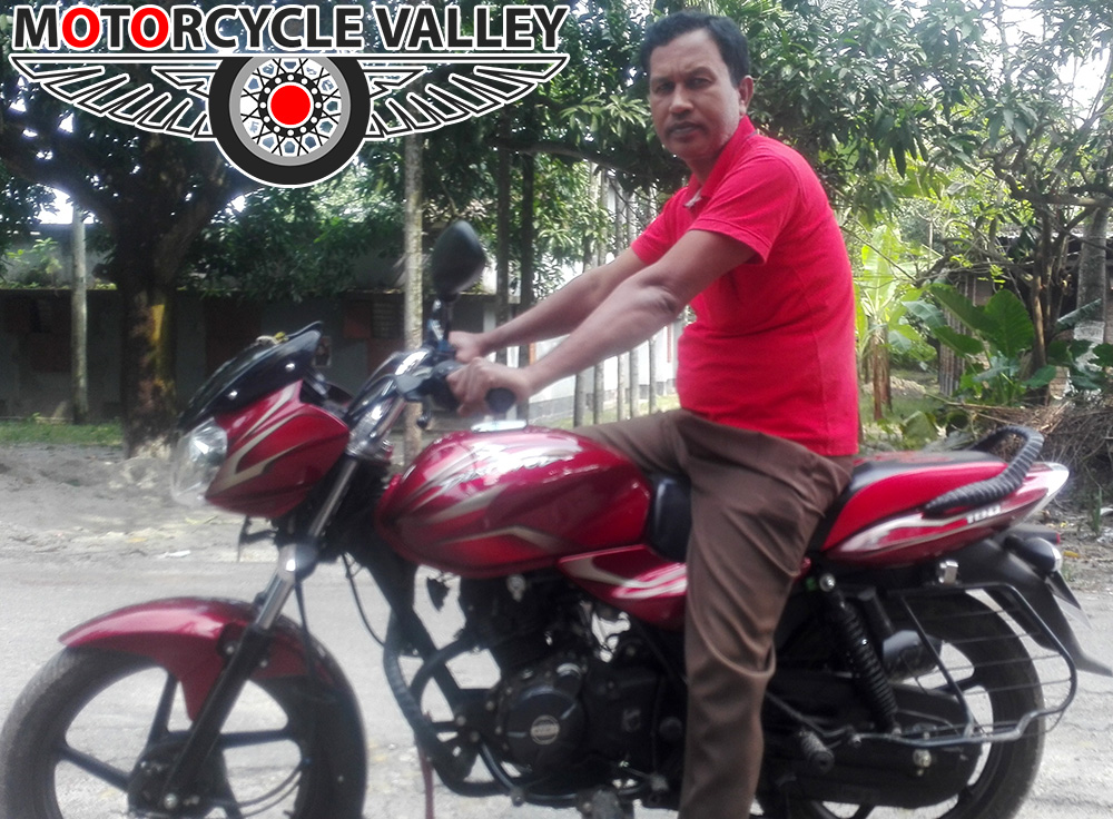 Bajaj-Discover-100cc-user-review-by-Daloar-Hossain