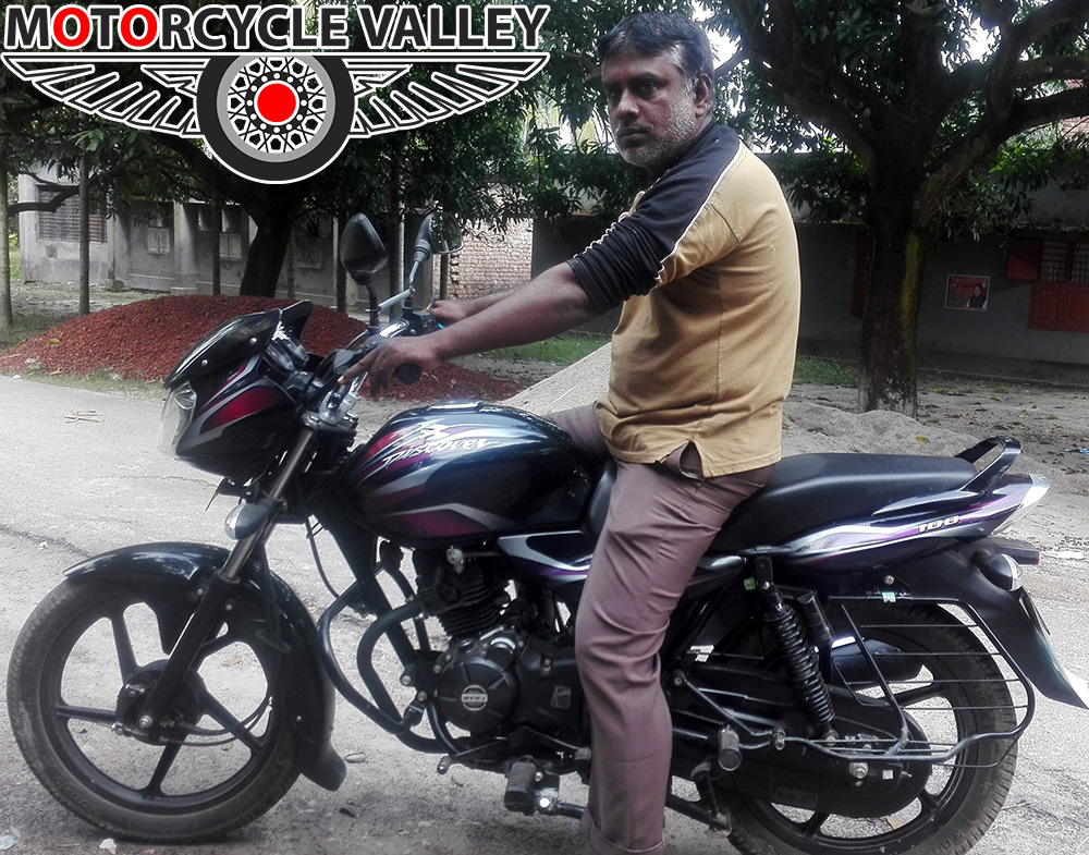 Bajaj-Discover-100cc-user-review-by-Robiul-Islam