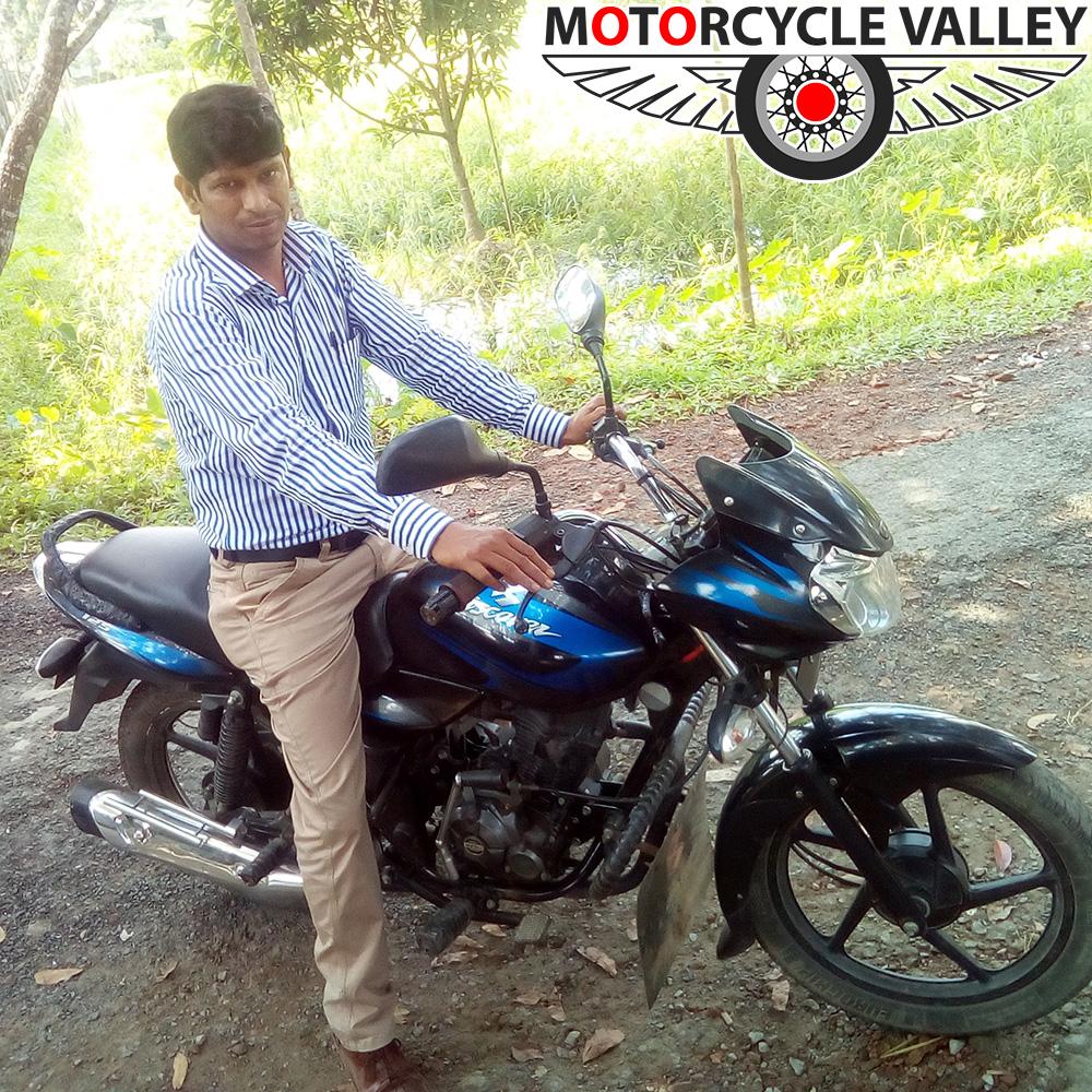 Bajaj-Discover-125-user-review-Akramul-Awal
