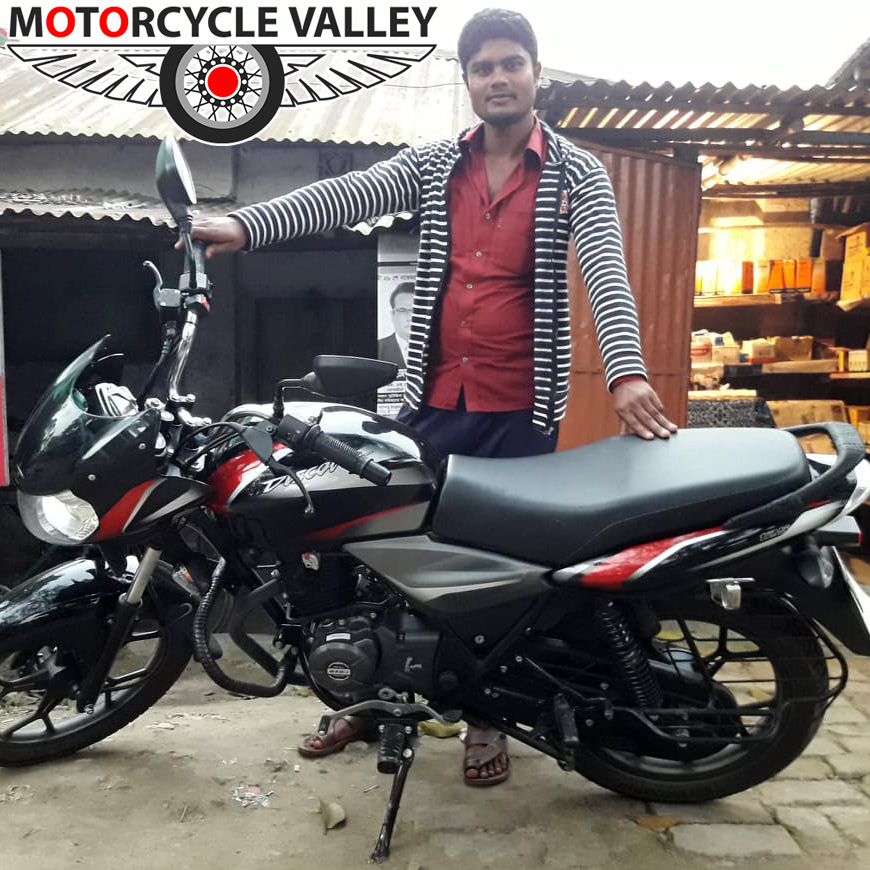Bajaj-Discover-125-user-review-by-Jashim-Hossen