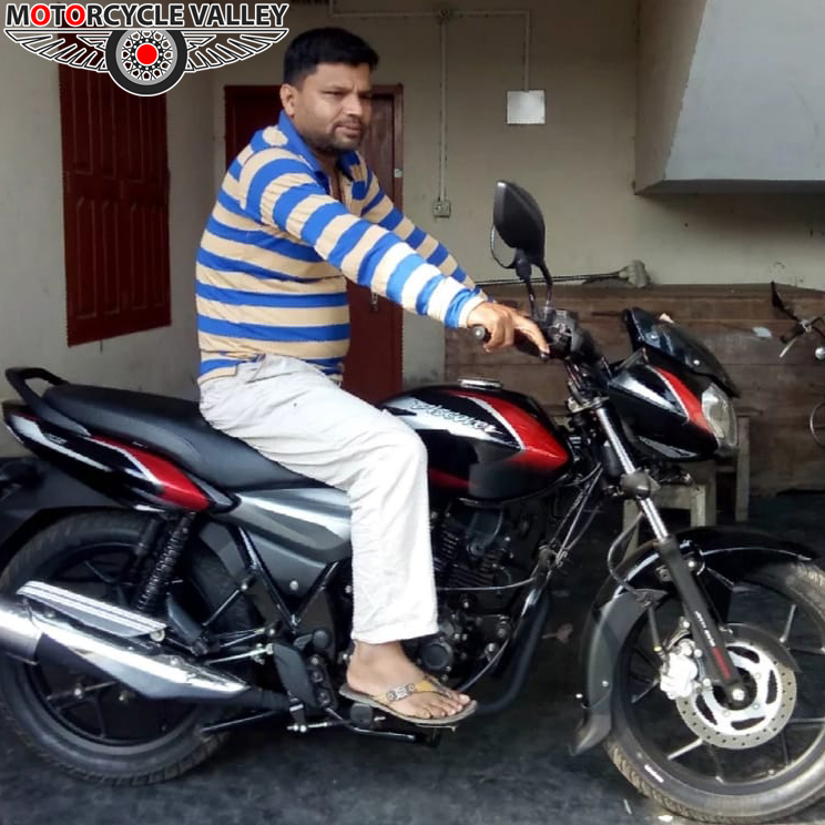 Bajaj-Discover-125-user-review-by-Nasir-Uddin