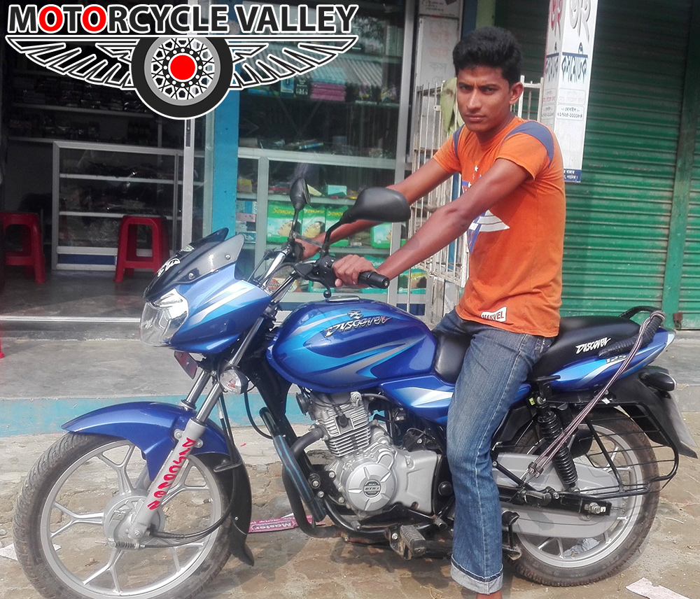Bajaj-Discover-125-user-review-by-Rana-Islam