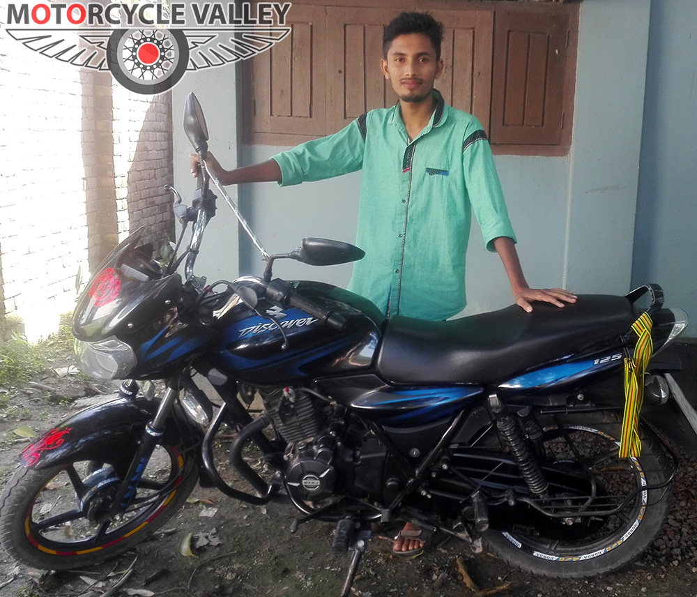 Bajaj-Discover-125-user-review-by-Robin-Uddin