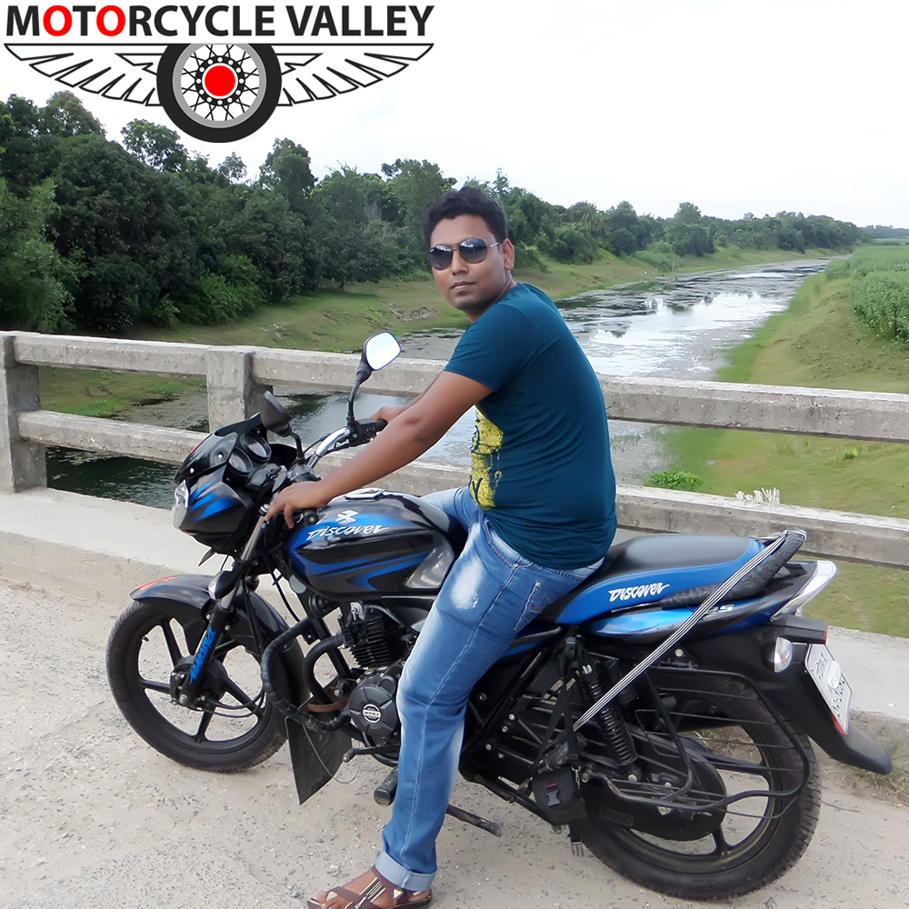 Bajaj-Discover-125-user-review-by-Sumon-Ali