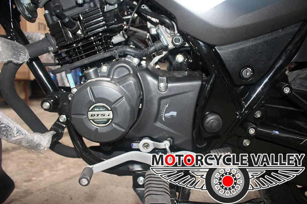 Bajaj-Discover-125cc-2018-Feature-Review-Engine