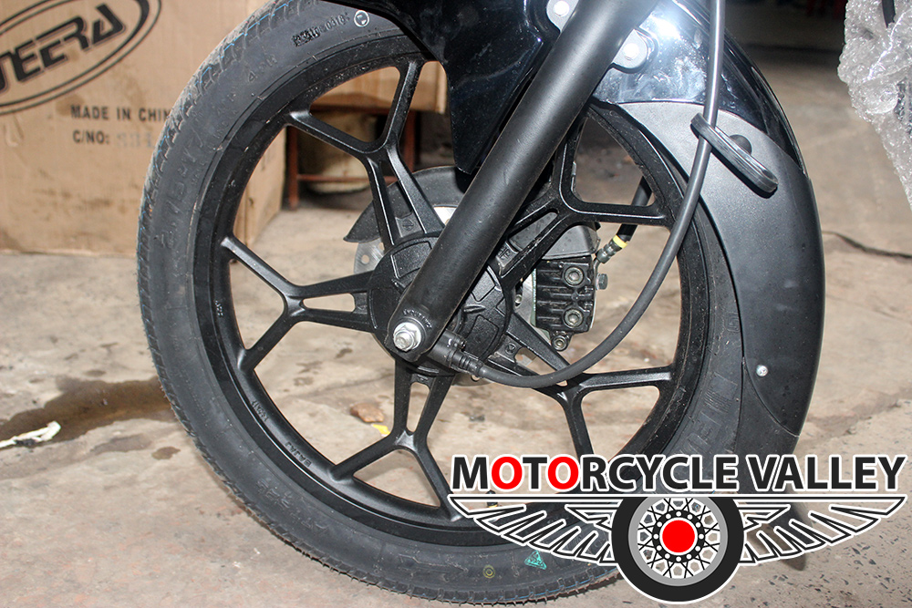 Bajaj-Discover-125cc-2018-Feature-Review-Wheel