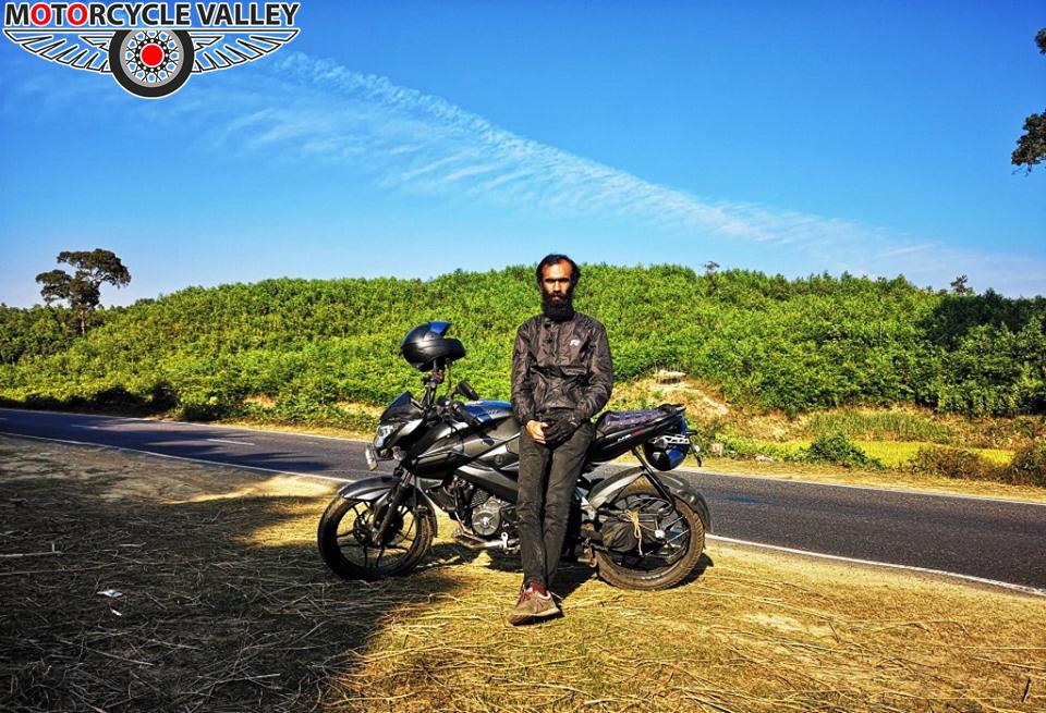 Bajaj-Pulsar-NS160-12000km-riding-review-by-Riku-Amir-Green