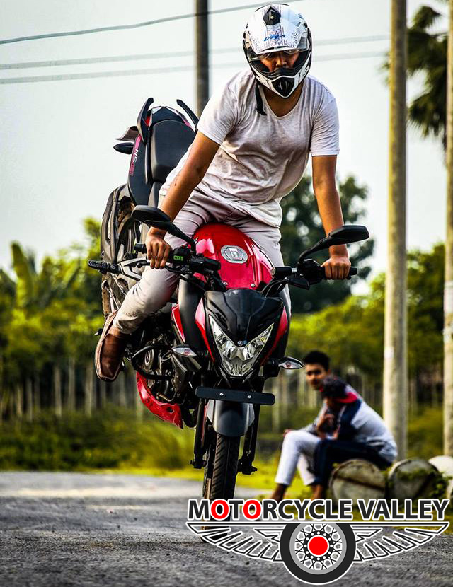 Bajaj-Pulsar-NS160-user-review-by-Adeeb-Hasnain