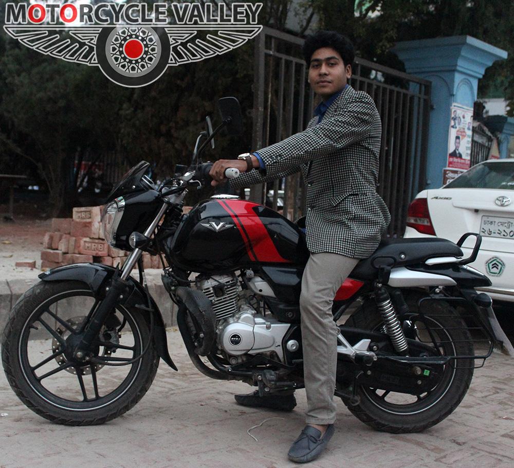 Bajaj-V15-user-review-by-Abdullah-Ahmed