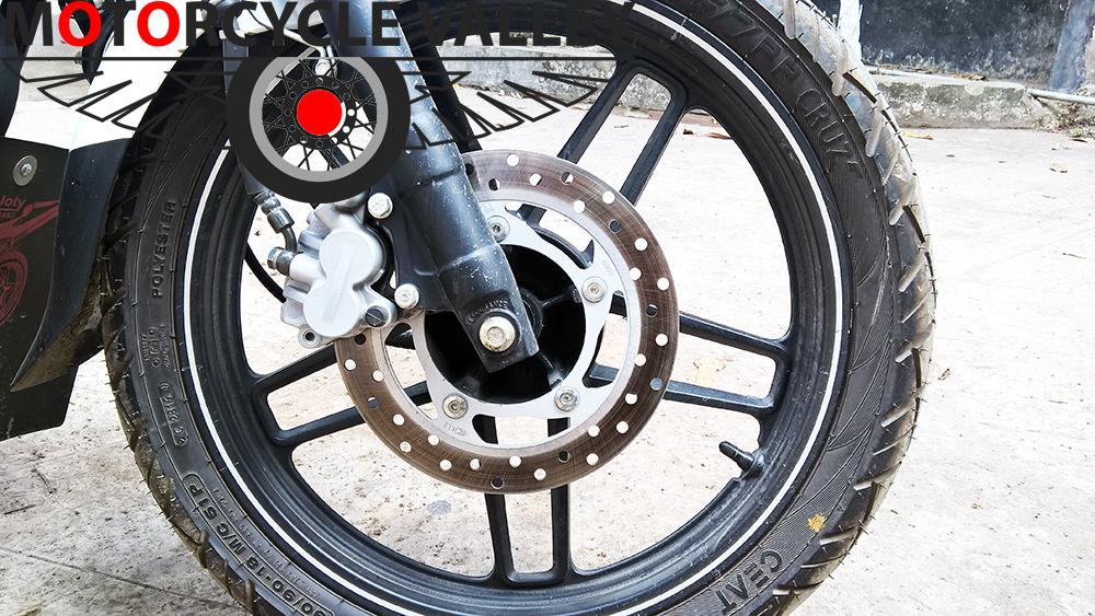 Bajaj-V15-user-review-by-Mahbub-Munna-brakes