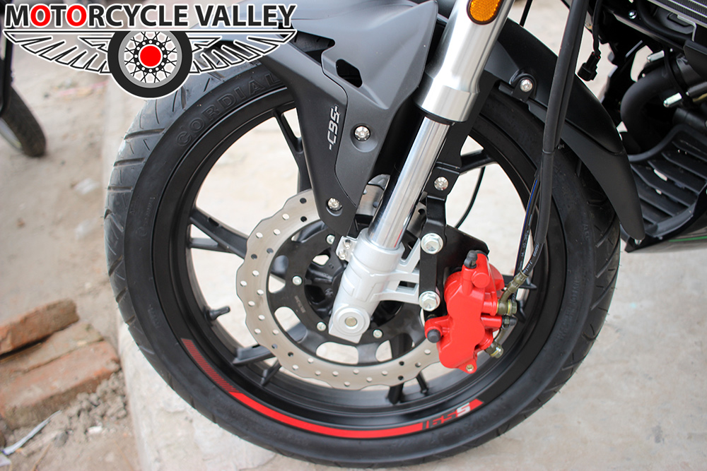 Benelli-165s-Features-Review-Wheel