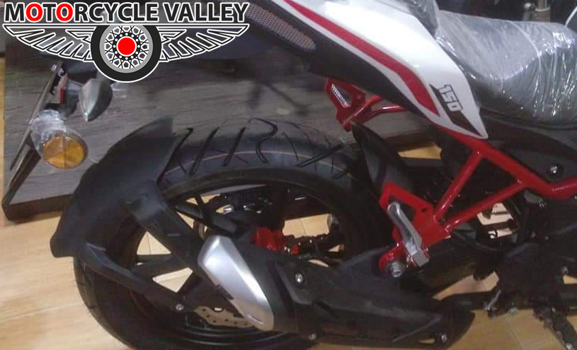 Benelli-TNT-150-Feature-Review-tire