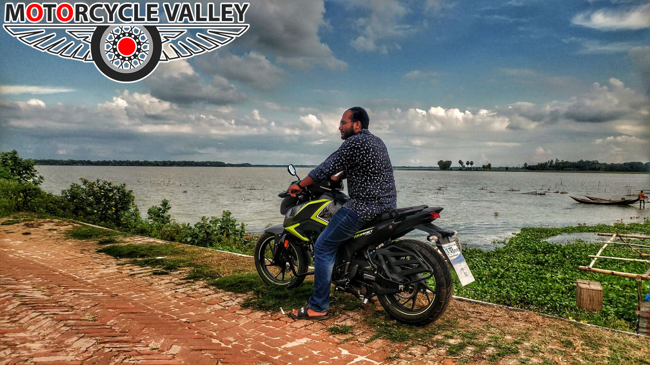 Honda-CB-Hornet-160R-2000km-riding-experience-review-by-Asif-Reza-River