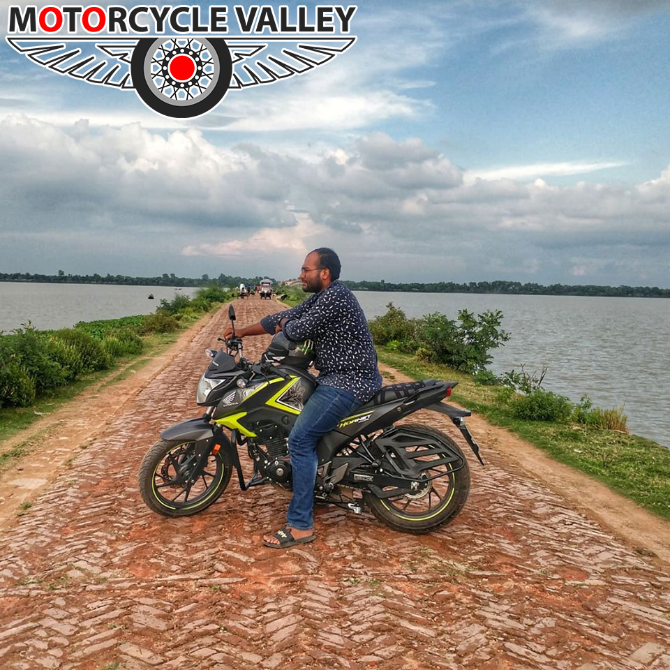 Honda-CB-Hornet-160R-2000km-riding-experience-review-by-Asif-Reza-Road