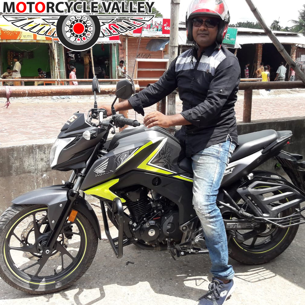 Honda-CB-Hornet-160R-user-review-by-Mehedi-Hasan