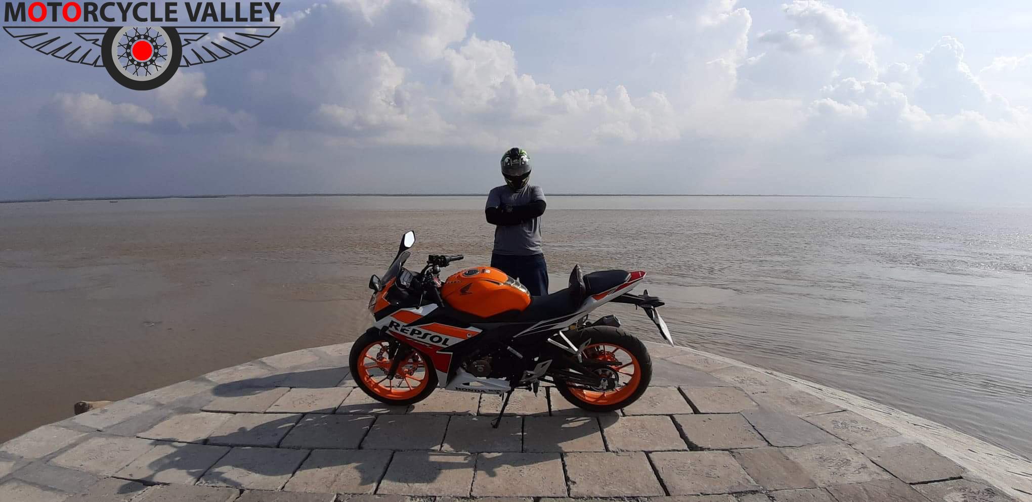 Honda-CBR-150R-ABS-Motogp-Omar-Nizam-02