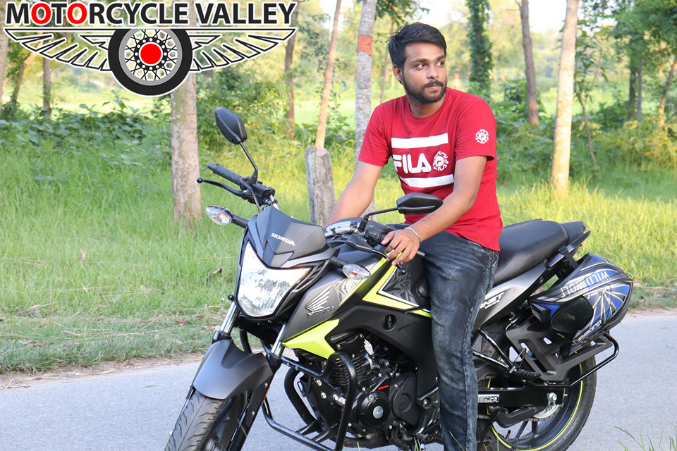 Honda-Hornet-user-review-by-Noyon-Sheikh