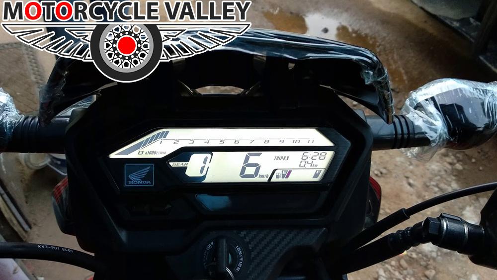 Honda-xBlade-Features-Review-Meter