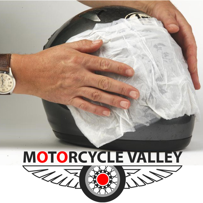 How to clean your motorcycle helmet?