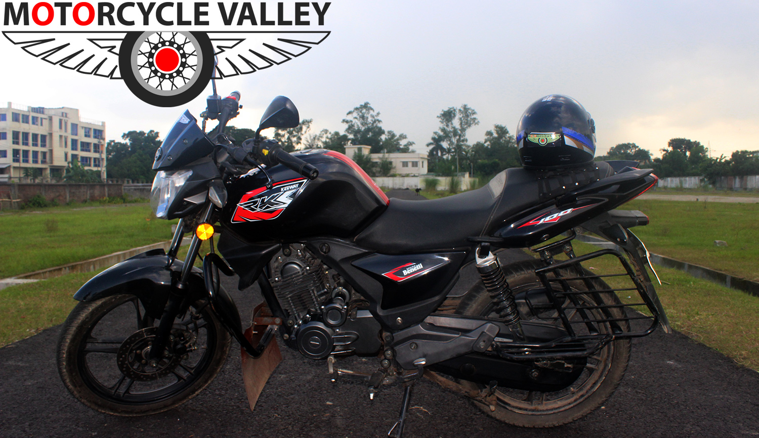 Keeway-RKS-100-Review-by-Team-MotorcycleValley