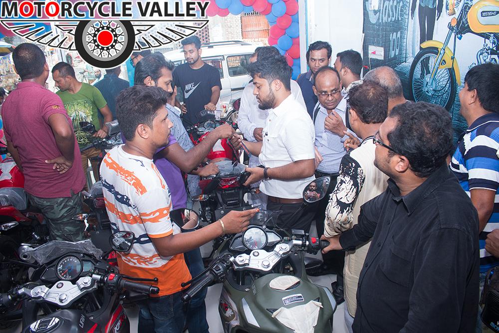 Lifan-showroom-is-now-in-Rajshahi-02