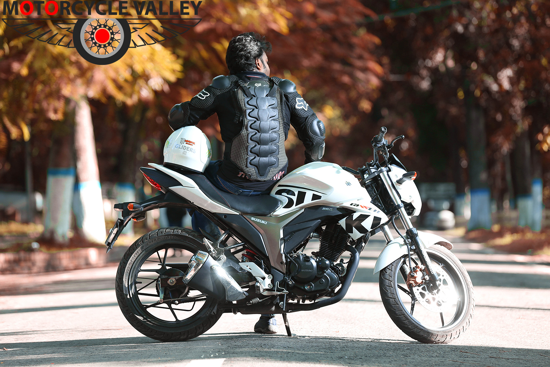Suzuki-Gixxer-user-review-by-Xisan-bike