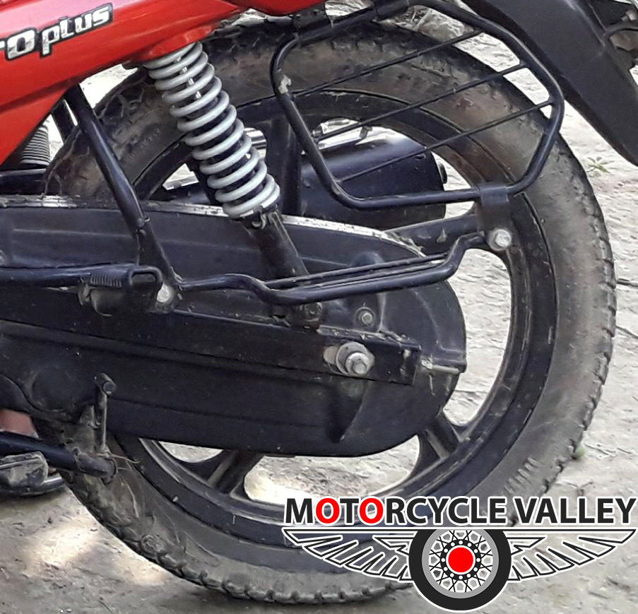 TVS-Metro-Plus-rear-wheel-review-by-Abdul-Kuddus