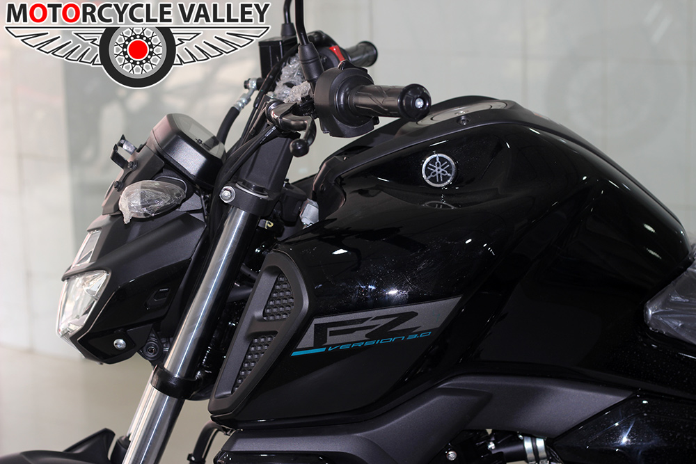 Yamaha-FZ-Fi-v3-Feature-Review-Design