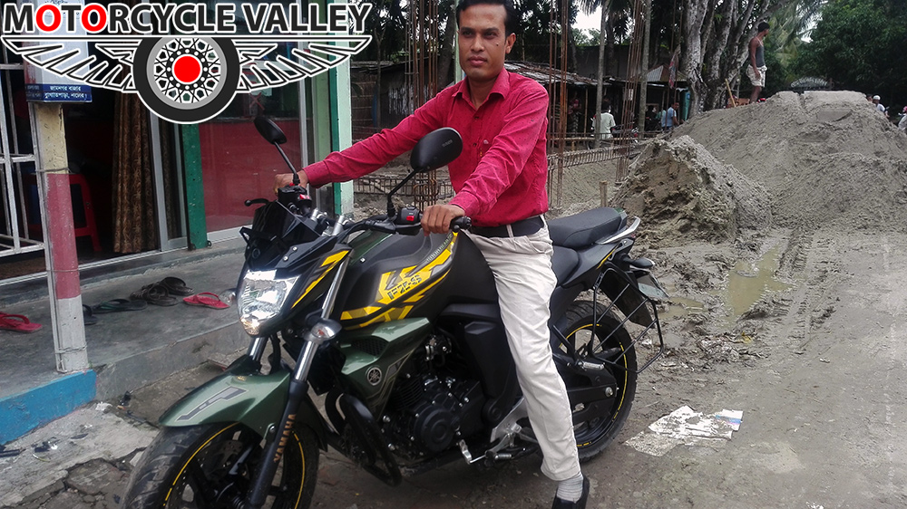 Yamaha-FZS-Fi-Matte-Green-user-review-by-Abdur-Rahman