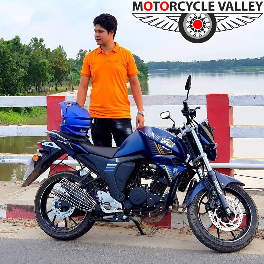 Yamaha-FZS-Fi-v2-Rear-Disc-user-review-by-Arif
