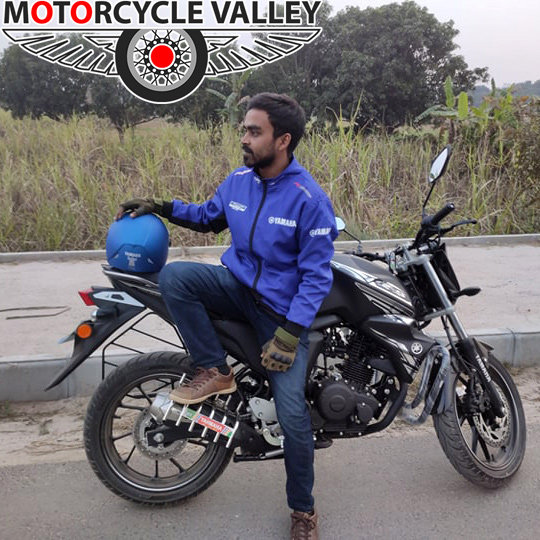 Yamaha-FZS-Fi-v2-user-review-by-Salauddin