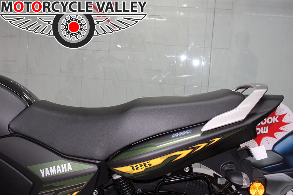 Yamaha-Saluto-Special-Edition-Feature-Review-Seat