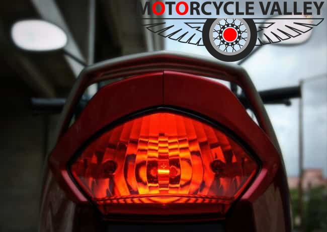 Yamaha-Saluto-taillamp