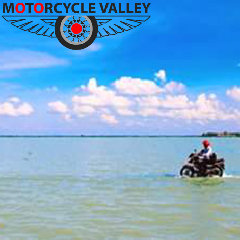 Motorbike tour to Patul Natore