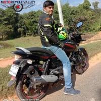 Bajaj Pulsar 150 Neon 8000km riding experiences by Rafi Adnan