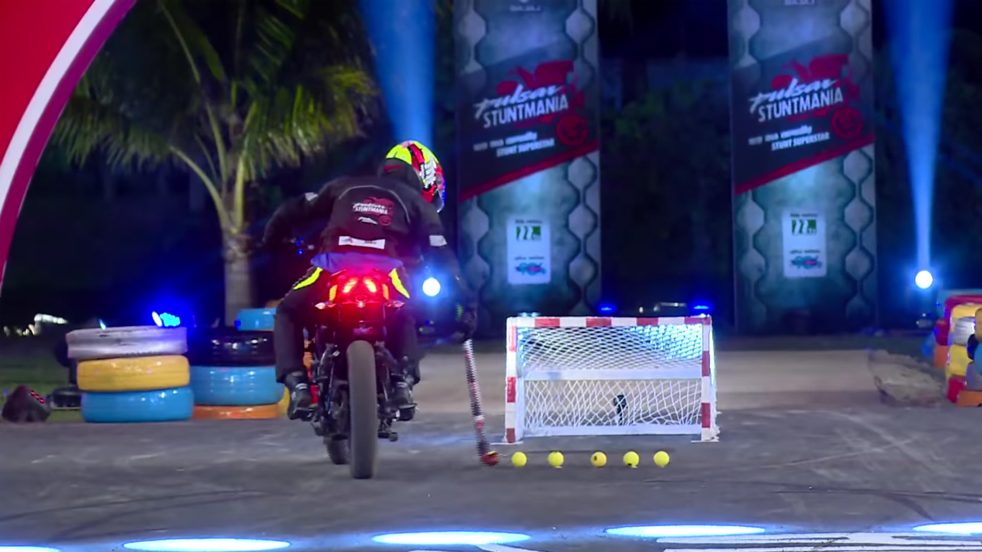 Pulsar Stuntmania 2019 On Play